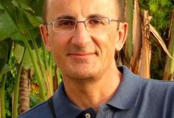 Antonio E. Lauzurika